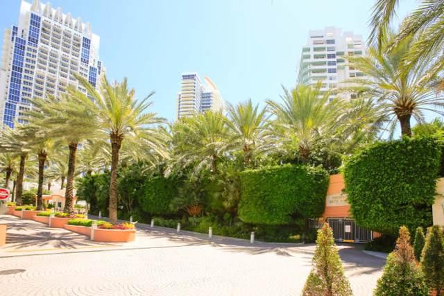 400 S Pointe Drive 303 & 305, Miami Beach, FL 33139 (MLS #RX-10560188) :: Castelli Real Estate Services