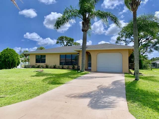 712 SE Whitehurst Avenue, Port Saint Lucie, FL 34983 (#RX-10562261) :: Dalton Wade