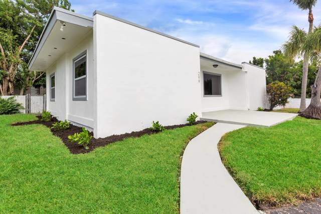 299 Kingsbridge Street, Boca Raton, FL 33487 (#RX-10563297) :: Ryan Jennings Group
