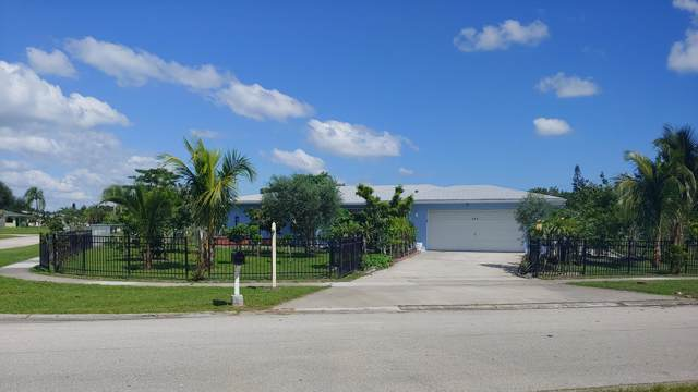 205 NE Ardsley Drive, Port Saint Lucie, FL 34983 (MLS #RX-10564176) :: Berkshire Hathaway HomeServices EWM Realty