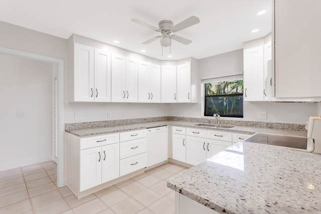 21 Meadows Drive, Boynton Beach, FL 33436 (MLS #RX-10565881) :: Laurie Finkelstein Reader Team