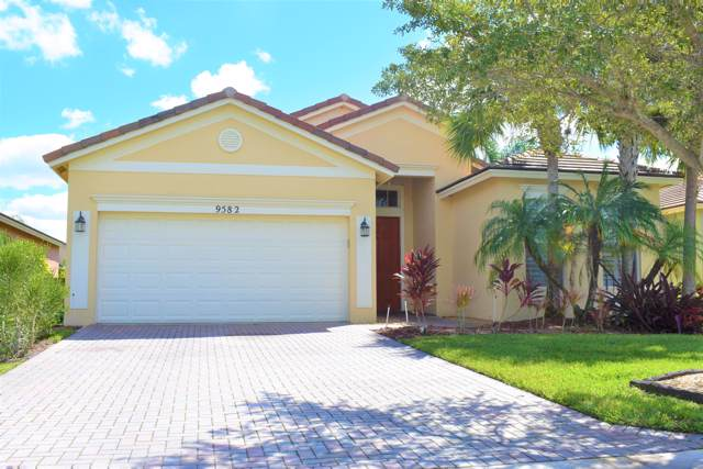 9582 SW Lindale Trace Boulevard, Port Saint Lucie, FL 34987 (MLS #RX-10571111) :: The Nolan Group of RE/MAX Associated Realty