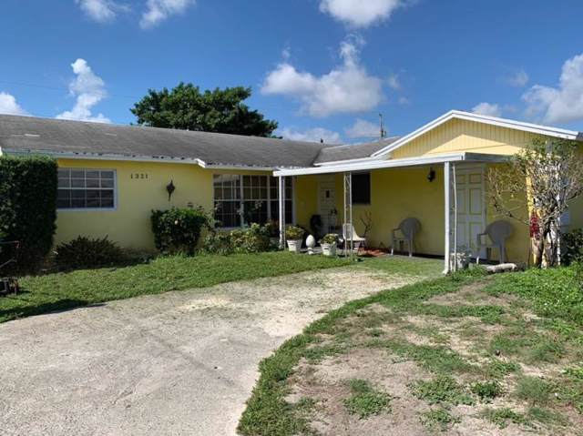 1321 W 27th Street, Riviera Beach, FL 33404 (#RX-10572570) :: Ryan Jennings Group