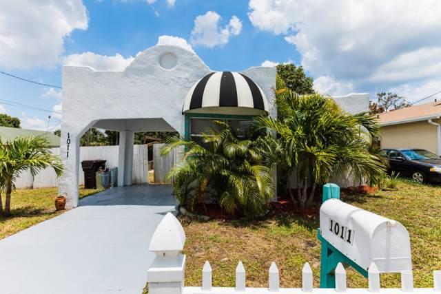 1011 W Lakewood Road, West Palm Beach, FL 33405 (#RX-10574175) :: Ryan Jennings Group