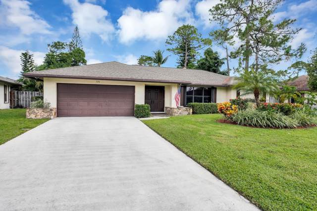 556 Azure Avenue, Wellington, FL 33414 (#RX-10574368) :: Ryan Jennings Group