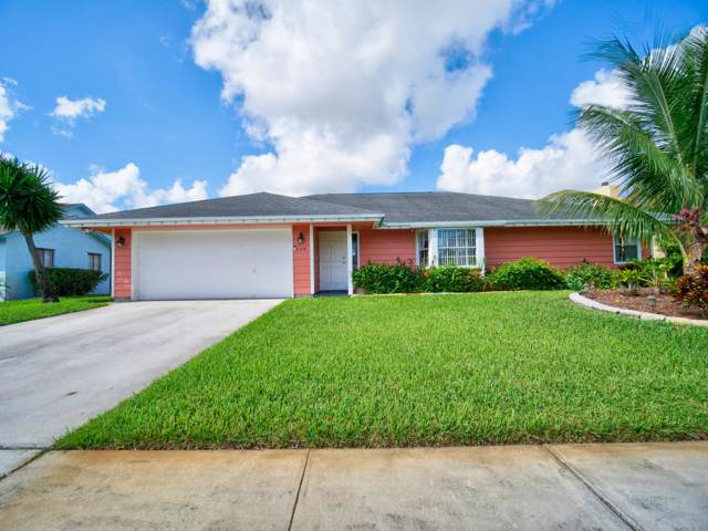 646 White Water Drive, West Palm Beach, FL 33413 (#RX-10575125) :: Ryan Jennings Group