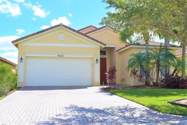 9582 SW Lindale Trace Boulevard, Port Saint Lucie, FL 34987 (MLS #RX-10577403) :: Berkshire Hathaway HomeServices EWM Realty