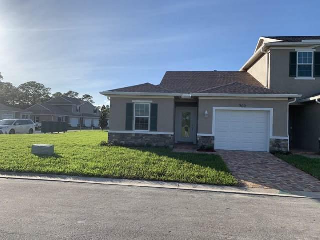 702 NE Waters Edge Lane, Port Saint Lucie, FL 34983 (MLS #RX-10577553) :: Berkshire Hathaway HomeServices EWM Realty