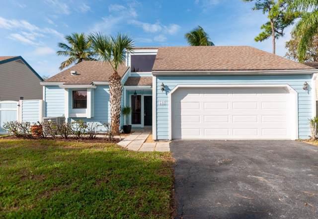 537 Goldenwood Way, Wellington, FL 33414 (#RX-10577892) :: Ryan Jennings Group