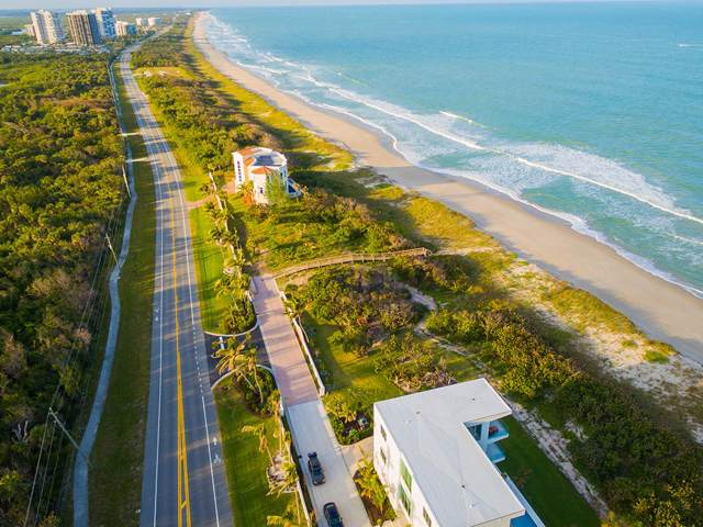 4566 N Highway A1a, Hutchinson Island, FL 34949 (#RX-10577982) :: Ryan Jennings Group