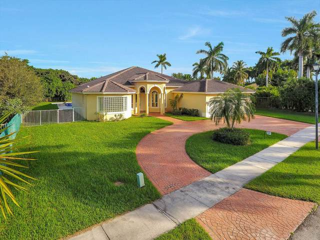 611 Ranch Road, Weston, FL 33326 (#RX-10578657) :: Real Estate Authority