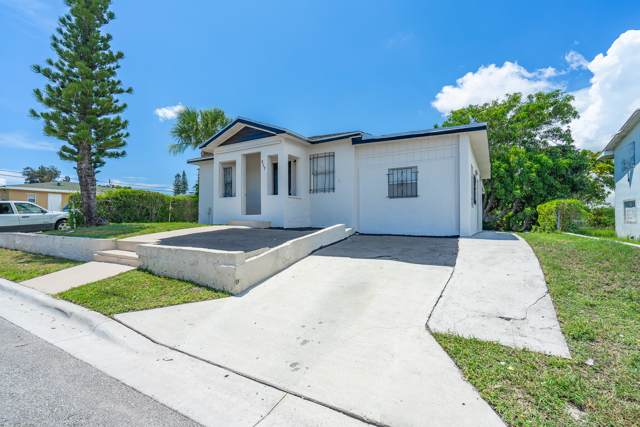 917 W 7th Street, Riviera Beach, FL 33404 (#RX-10582095) :: Ryan Jennings Group