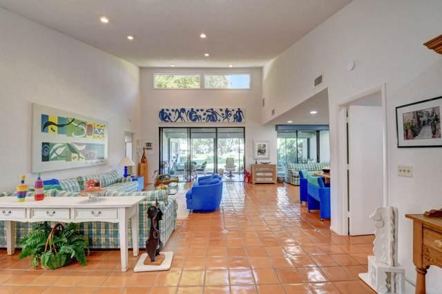10 Villa Lane, Boynton Beach, FL 33436 (#RX-10582900) :: Ryan Jennings Group