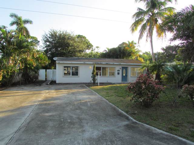 8349 SE Camellia Drive, Hobe Sound, FL 33455 (MLS #RX-10584635) :: Berkshire Hathaway HomeServices EWM Realty