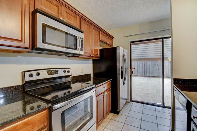 4211 42nd Way, West Palm Beach, FL 33407 (#RX-10588946) :: Ryan Jennings Group