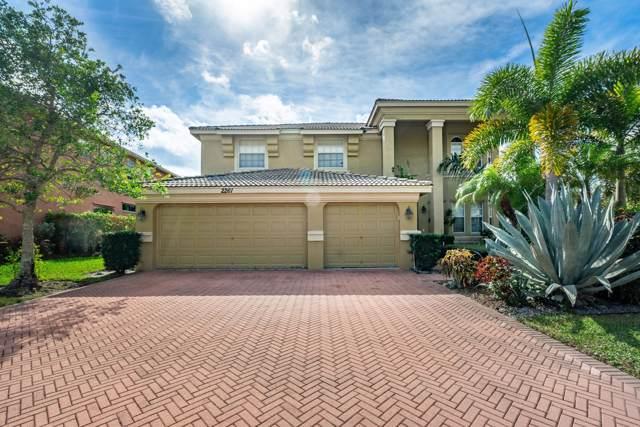 2261 Ridgewood Circle, Royal Palm Beach, FL 33411 (#RX-10589029) :: Ryan Jennings Group