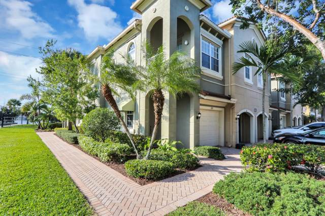 4921 Bonsai Circle #211, Palm Beach Gardens, FL 33418 (#RX-10589688) :: Ryan Jennings Group