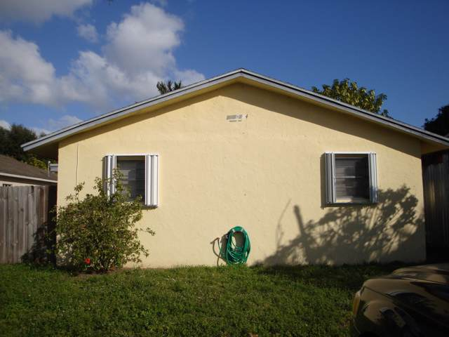 212 Walker Avenue, Greenacres, FL 33463 (#RX-10592547) :: Ryan Jennings Group