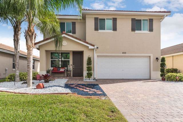 850 Palm Tree Lane, Haverhill, FL 33415 (#RX-10592750) :: Ryan Jennings Group