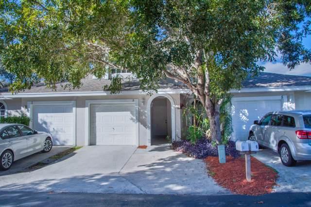 3 Glamis Way SE, Boynton Beach, FL 33426 (#RX-10593887) :: Ryan Jennings Group