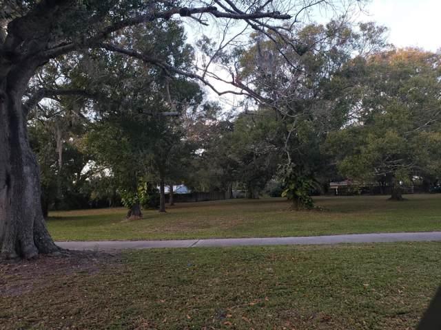 720 Parkway Drive, Fort Pierce, FL 34950 (#RX-10593990) :: Ryan Jennings Group