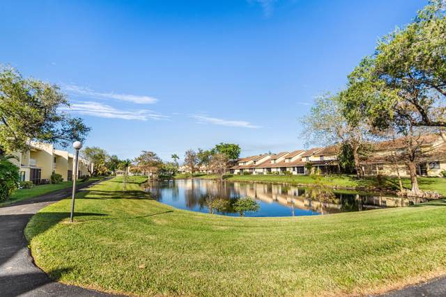 1559 Woodbridge Lakes Cir Circle, West Palm Beach, FL 33406 (#RX-10597152) :: Ryan Jennings Group