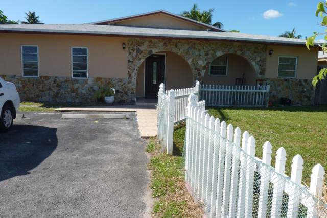 4561 SW 43rd Avenue, Fort Lauderdale, FL 33314 (#RX-10597308) :: Ryan Jennings Group