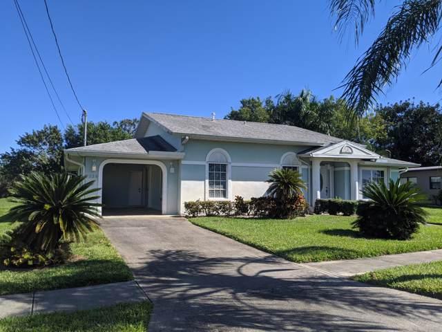 3239 SE Monte Vista Street, Port Saint Lucie, FL 34952 (#RX-10597992) :: Ryan Jennings Group