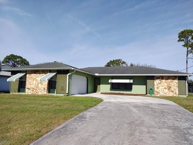 549 SE Fallon Drive, Port Saint Lucie, FL 34983 (#RX-10598240) :: Ryan Jennings Group