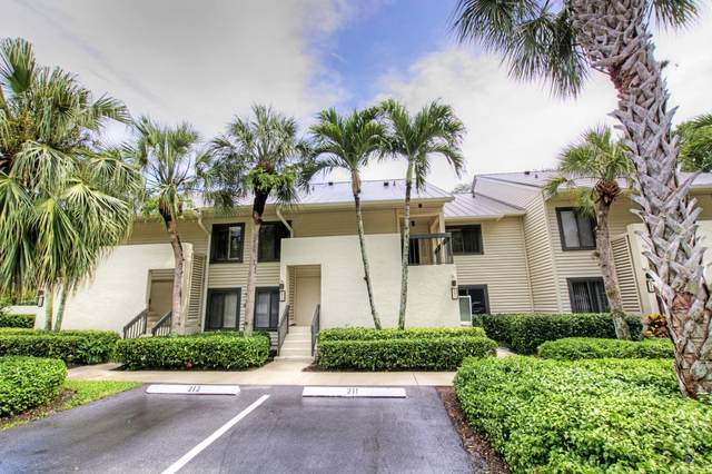 5192 SE Club Way #211, Stuart, FL 34997 (MLS #RX-10598456) :: Berkshire Hathaway HomeServices EWM Realty