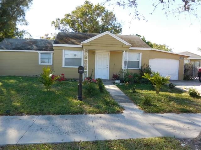1211 N 10th Avenue, Lake Worth Beach, FL 33460 (MLS #RX-10598469) :: Laurie Finkelstein Reader Team