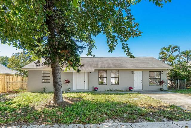 7197 Hyatt Avenue, Lake Worth, FL 33462 (#RX-10598563) :: Ryan Jennings Group