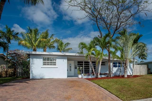 825 SE 16th Place, Deerfield Beach, FL 33441 (#RX-10598812) :: Ryan Jennings Group