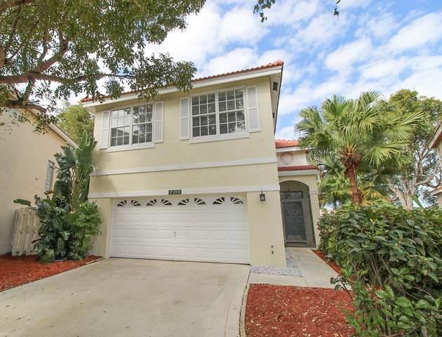 7399 Wescott Terrace, Lake Worth, FL 33467 (#RX-10599492) :: Ryan Jennings Group