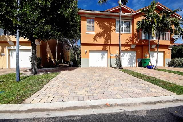 1823 Sonrisa Drive, Riviera Beach, FL 33404 (#RX-10599680) :: Ryan Jennings Group
