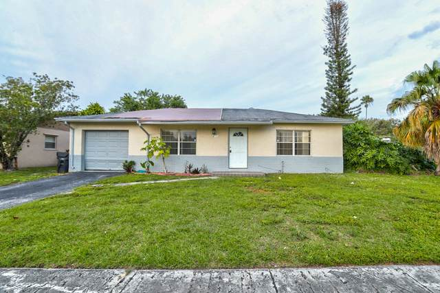 8111 SW 9th Court, North Lauderdale, FL 33068 (#RX-10600193) :: Ryan Jennings Group