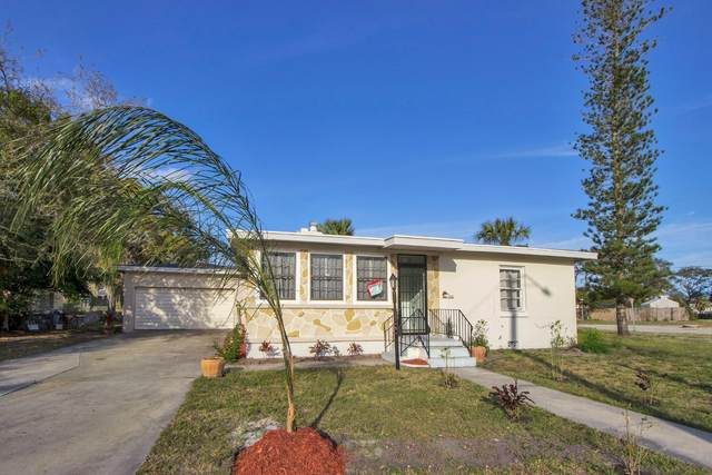 702 Parkway Drive, Fort Pierce, FL 34950 (#RX-10600445) :: Ryan Jennings Group