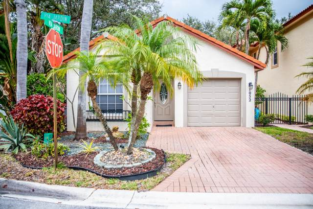 1052 Via Jardin, Riviera Beach, FL 33418 (MLS #RX-10600705) :: Berkshire Hathaway HomeServices EWM Realty