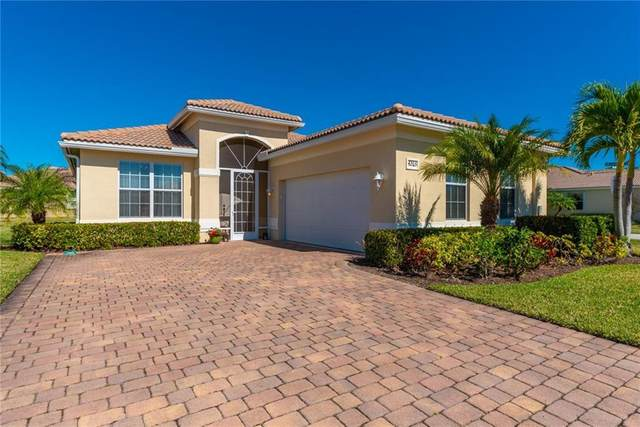 4265 NW Oakbrook Circle, Jensen Beach, FL 34957 (#RX-10601165) :: Ryan Jennings Group