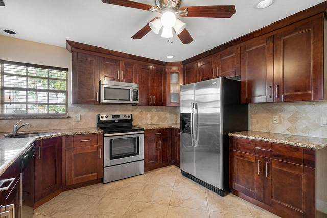 5026 Canal Circle E, Lake Worth, FL 33467 (#RX-10601388) :: Ryan Jennings Group