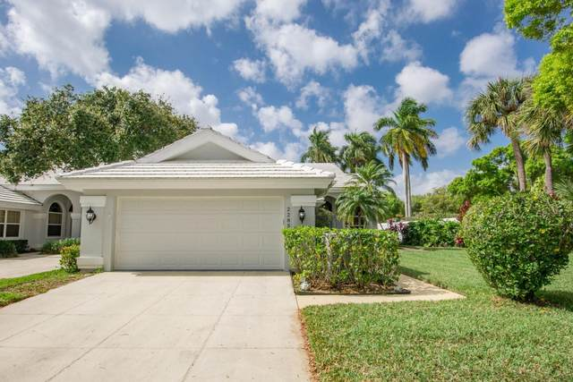 2285 Saratoga Lane, West Palm Beach, FL 33409 (#RX-10602340) :: Ryan Jennings Group