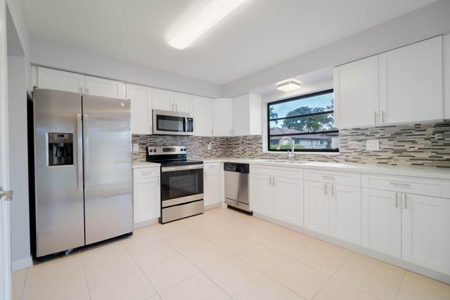 4740 Storkwood Lane B, Boynton Beach, FL 33436 (#RX-10602526) :: Ryan Jennings Group