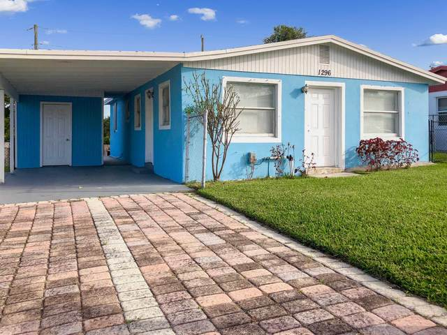 1296 W 36th Street, Riviera Beach, FL 33404 (MLS #RX-10602728) :: Berkshire Hathaway HomeServices EWM Realty