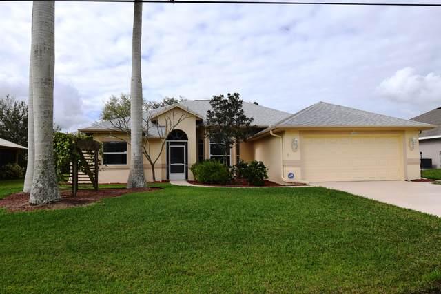 6460 NW Friendly Circle, Port Saint Lucie, FL 34983 (MLS #RX-10602732) :: Berkshire Hathaway HomeServices EWM Realty