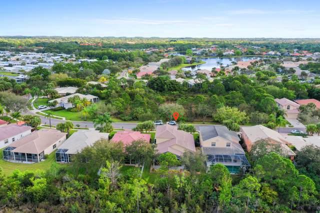 7213 SE Magellan Lane, Stuart, FL 34997 (#RX-10603196) :: Real Estate Authority
