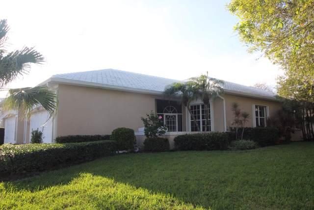 1860 SW Willowbend Lane, Palm City, FL 34990 (MLS #RX-10603335) :: Berkshire Hathaway HomeServices EWM Realty