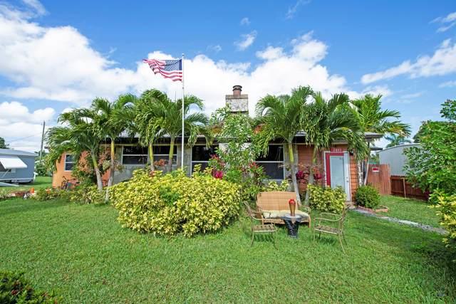 2875 SE La Palma Terrace, Stuart, FL 34997 (#RX-10603992) :: Ryan Jennings Group