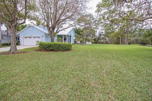 7952 SE Sugar Pines Way, Hobe Sound, FL 33455 (#RX-10604140) :: Ryan Jennings Group
