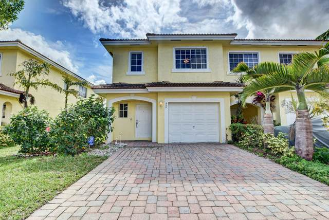 952 Imperial Lake Road, West Palm Beach, FL 33413 (MLS #RX-10604201) :: RE/MAX