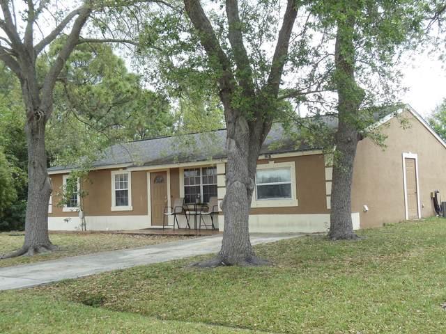 2361 SE Surrey Place, Port Saint Lucie, FL 34952 (#RX-10605643) :: Ryan Jennings Group